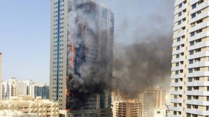 Мощный пожар в элитном небоскребе в ОАЭ попал на видео