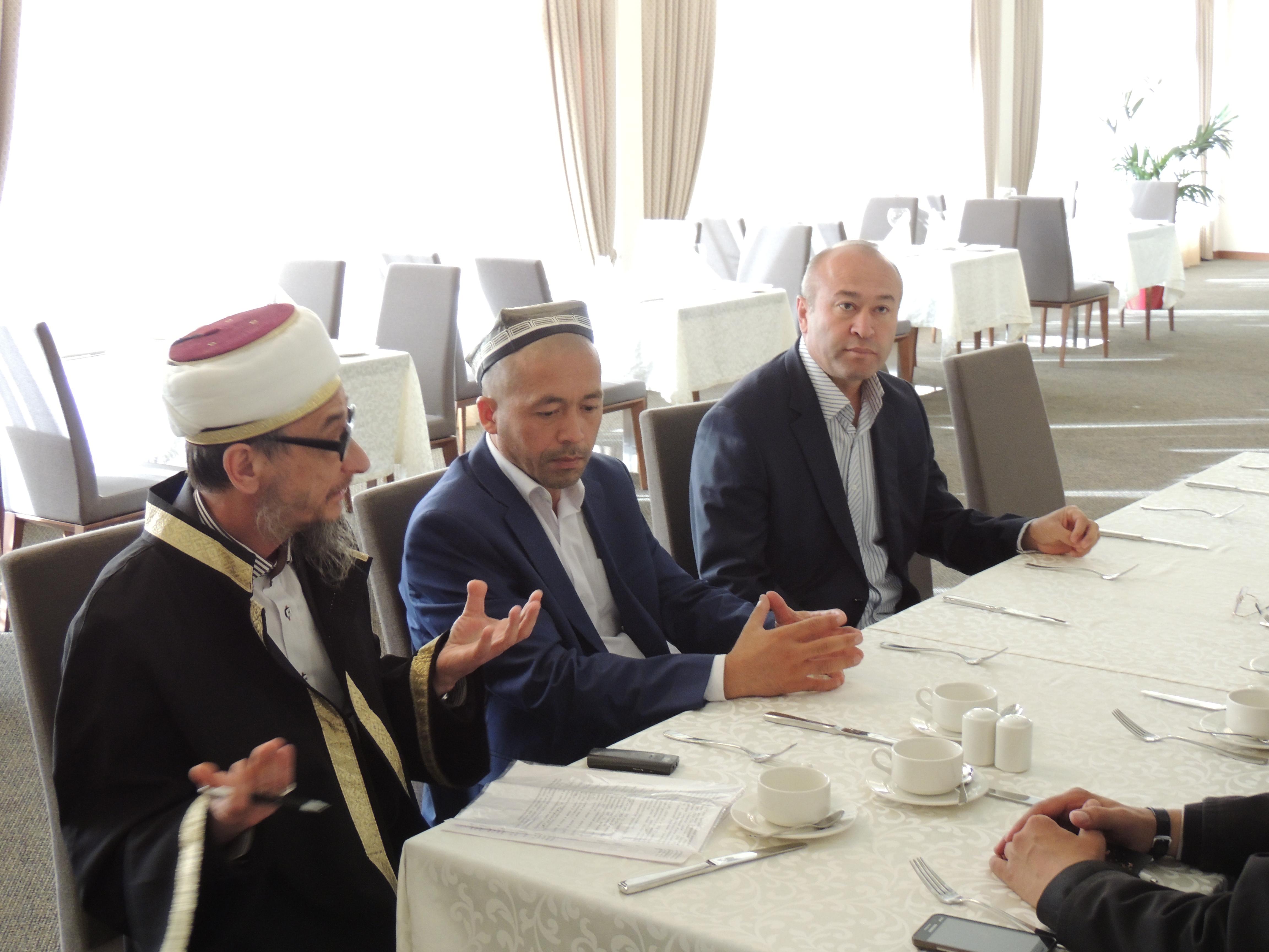 Имамы передали муфтию Абдуль Кудуссу приветствие от муфтия Узбекистана