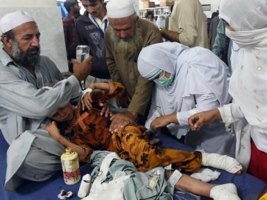Исламские страны постигло сильнейшее землетрясение, свыше 350 жертв