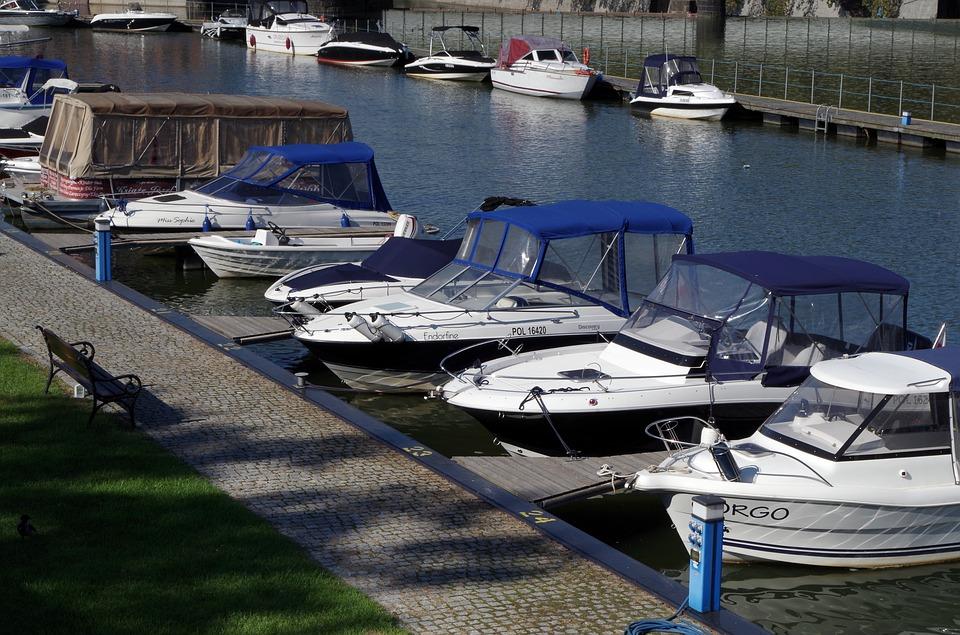 Плюсы от покупки небольшой яхты или катера