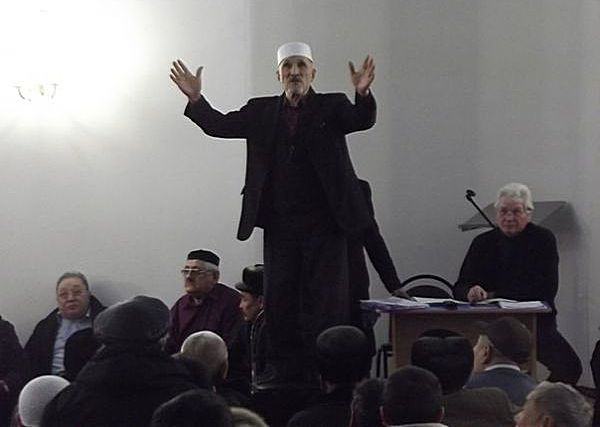 В Кургане не пришли к согласию по кандидатуре имама соборной мечети