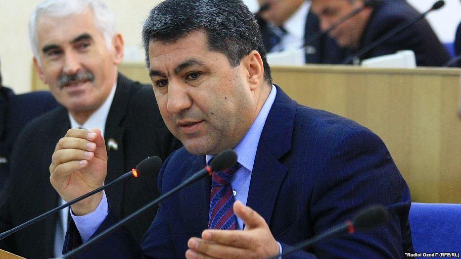 Во время выступления главы ПИВТ в парламенте Таджикистана
