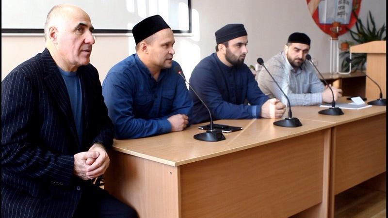 Сибирские имамы встретились со студентами