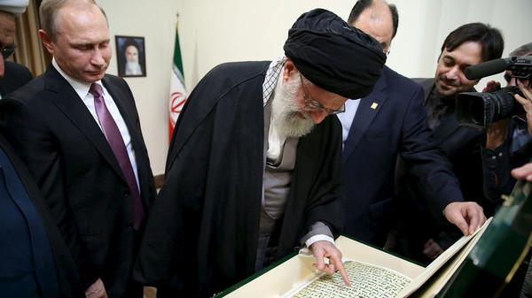 Президент России подарил лидеру Ирана Коран