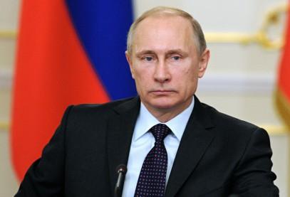 """Путин назвал """"ударом в спину"""" атаку российского бомбардировщика"""