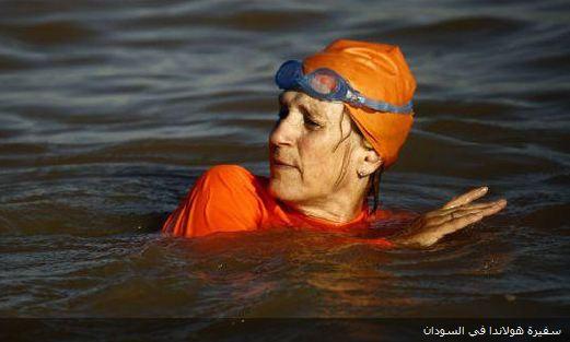 Посол Голландии переплыла Нил в хиджабе (ВИДЕО)
