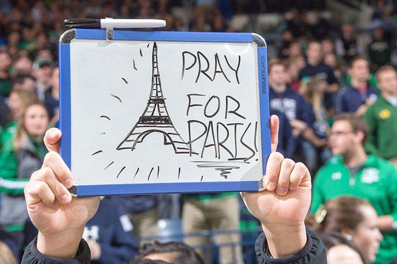 Эксперт: «Теракт в Париже — удар по мусульманам»