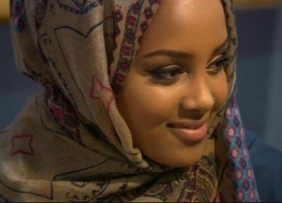 Мусульманку в хиджабе 13 часов допрашивали в аэропорту