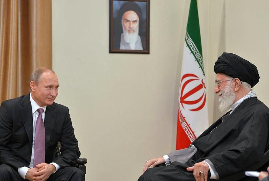 Разговор Путина с аятоллой Хаменеи продлился дольше запланированного