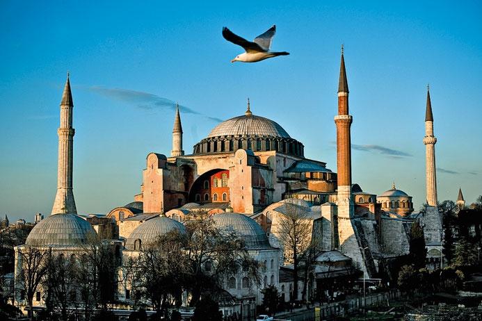 Мечеть Айя-София хотели превратить в дискотеку