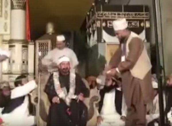 Чтение Корана приносит хороший доход (ВИДЕО)
