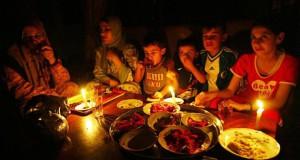 Для людей, не живших в условиях оккупации, свечи на столе - элемент романтики, для жителей Газы - вынужденная необходимость
