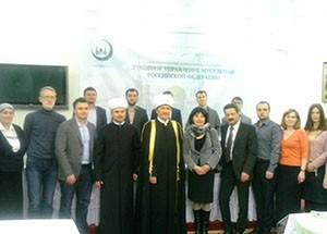 Равиль Гайнутдин с представителями СМИ