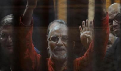 """В Египте отменили смертные приговоры лидерам """"Братьев-мусульман"""""""