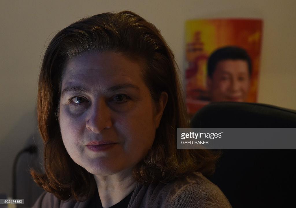 Французскую журналистку выдворяют из Китая за статью об уйгурах