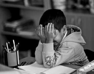 Детей из русско-турецкой семьи затравили в школе и детсаду — СМИ