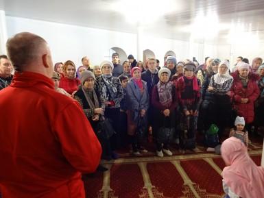 Екатеринбуржцы массово пошли в мечети