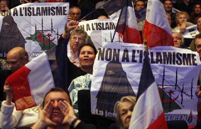 Теракты во Франции привели к неожиданному повороту на выборах