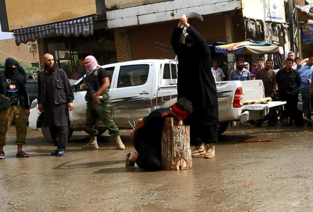 Публичная казнь, осуществленная членом ИГИЛ