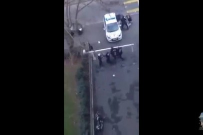 Полиция зверски избила мусульманку в хиджабе (ВИДЕО)