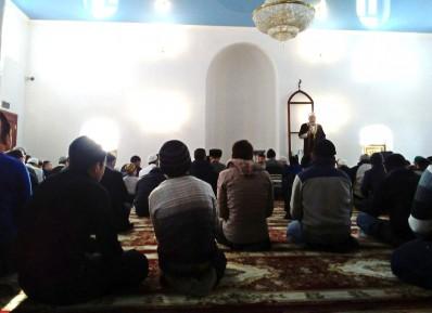 Юрист прокомментировал раскол в мечети Кургана