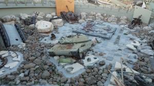 Мемориал в Млите. Инсталляция из разбитой израильской военной техники