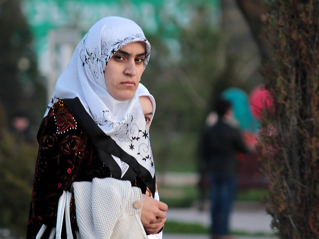 Таджикские силовики отчиталась по сбритым бородам и снятым хиджабам