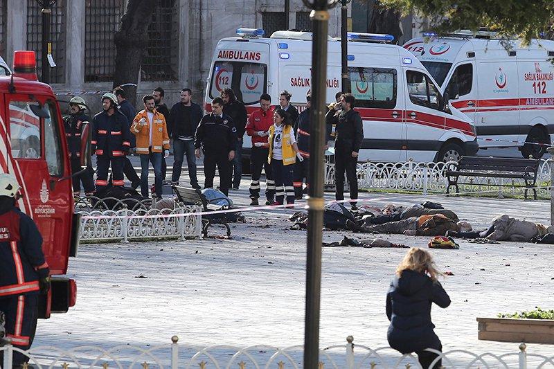 В центре Стамбула подорвался террорист-смертник — имеются жертвы