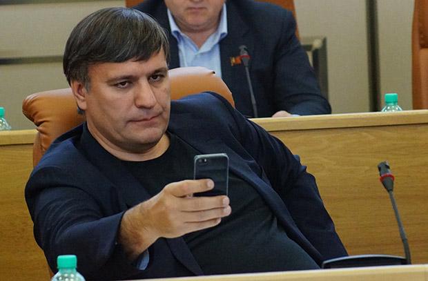 Оскорбивший Кадырова депутат оконфузился