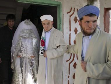 В России началась кампания против ранних браков