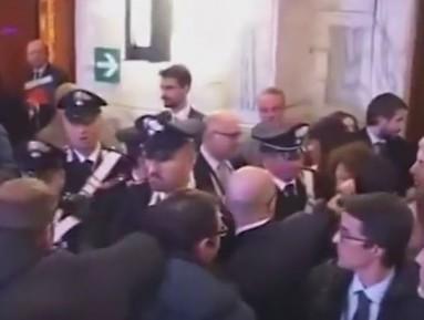 Керри публично обвинили в создании ИГИЛ (ВИДЕО)