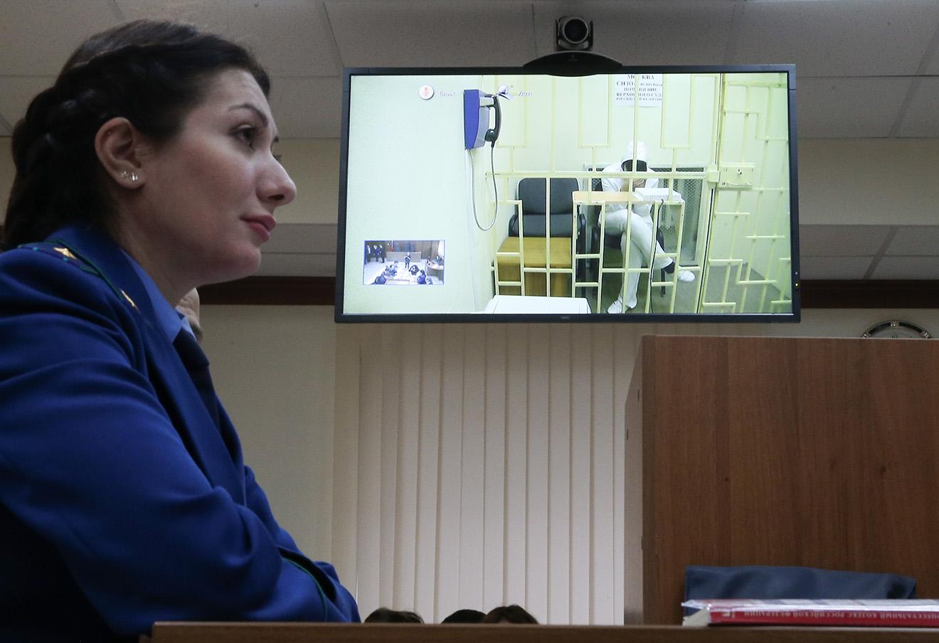Караулову обвиняют в бегстве к членам незаконных вооруженных формирований