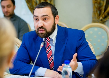 Султан Хамзаев жестко ответил на алкогольную инициативу чиновников