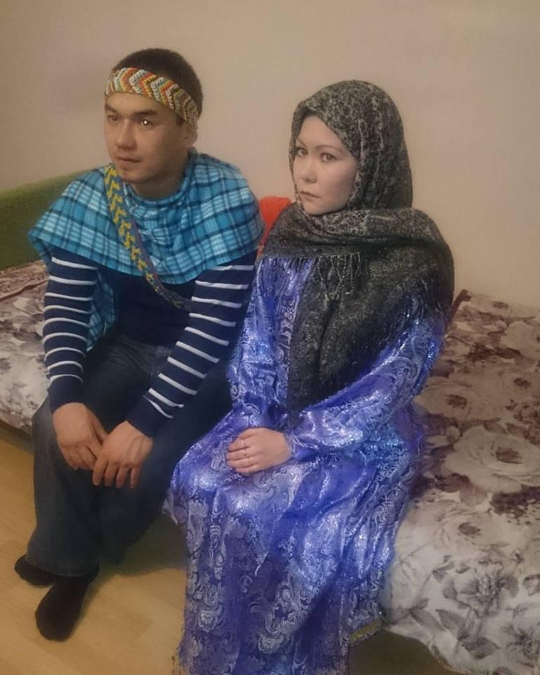 Молодая супружеская пара приняла ислам