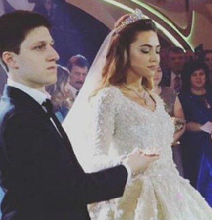 свадьба сына хозяина роснефти фото стоит удивляться, что
