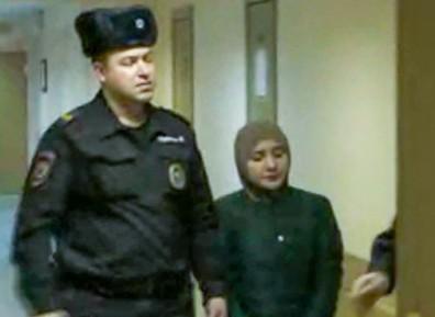 В Москве начинается суд над студенткой-медиком, опубликовавшей флаг ИГИЛ