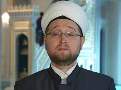 Имам дал разъяснения о плате за посещение Соборной мечети Москвы (ВИДЕО)