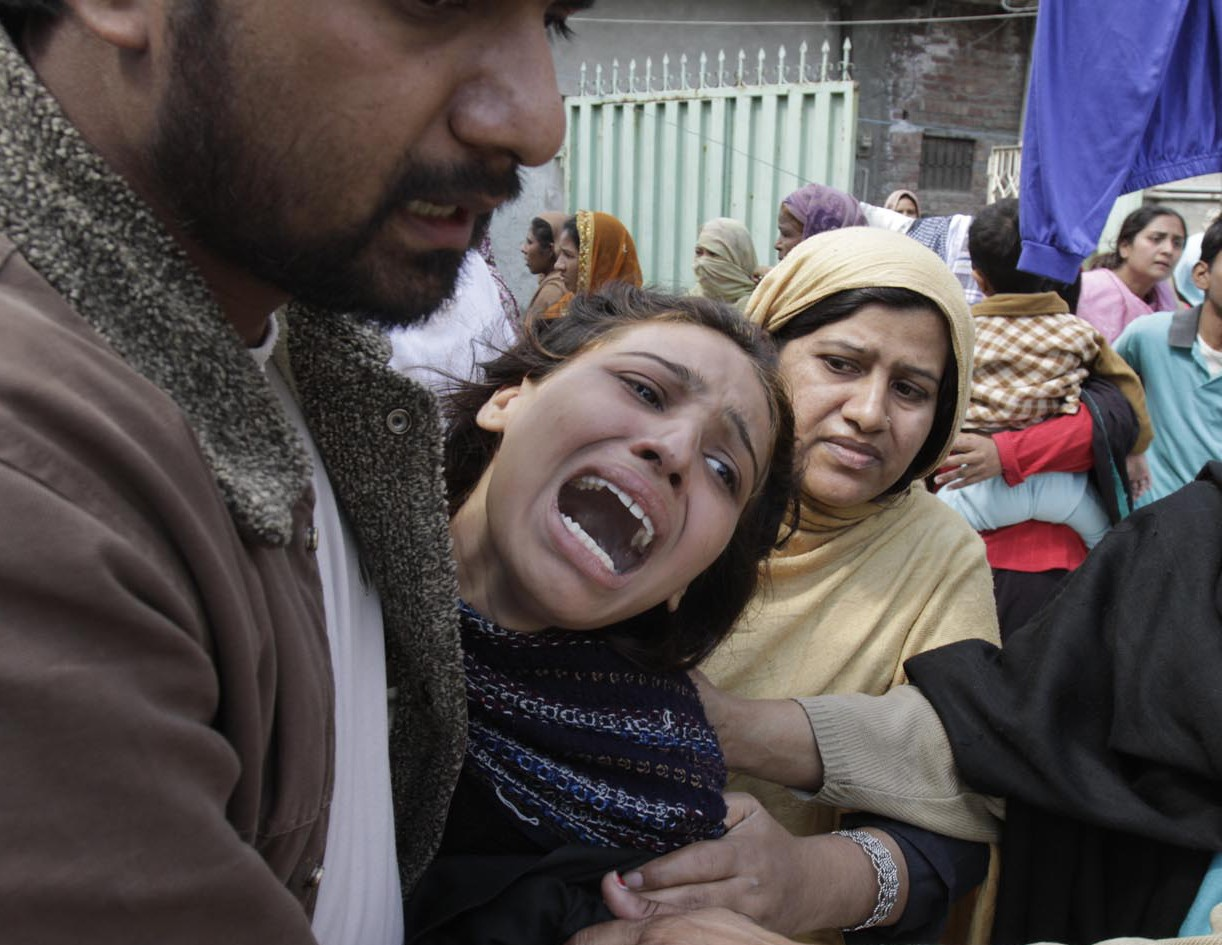 "Детей и женщин в Пакистане взорвал не ""Талибан"""