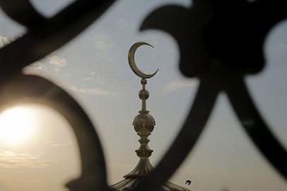 В Дербенте сгорела салафитская мечеть, где задержали имама