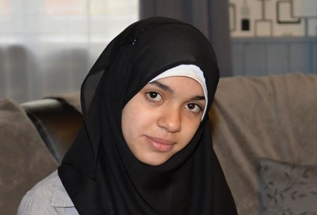 Француженка Сара, которой тоже пришлось делать выбор между хиджабом и учебой