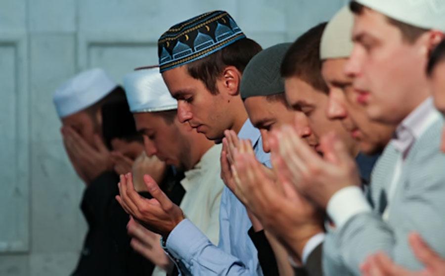 Прихожане мечети