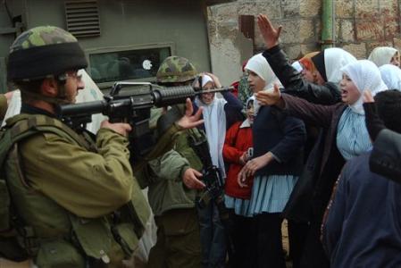Приговор израильскому силовику, грозившему палестинцу расстрелом, вызвал шок
