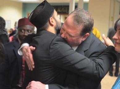 Обстрелявшего мечеть простили и обняли