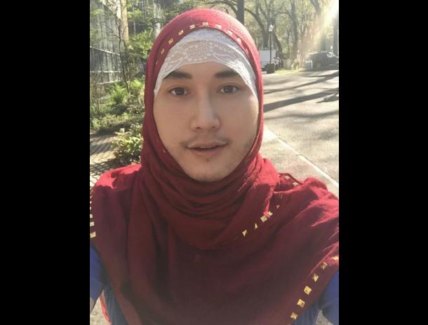 Парень в хиджабе шокировал публику