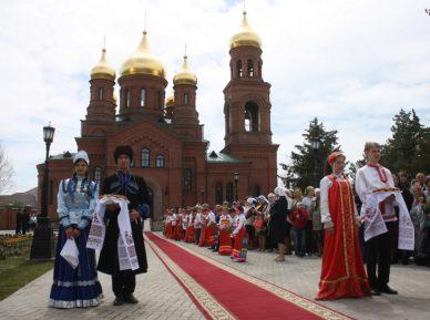 Кадыров сделал православным величественный подарок
