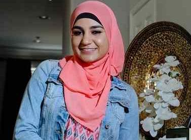 Покорила всех: девушка в хиджабе стала королевой выпускного