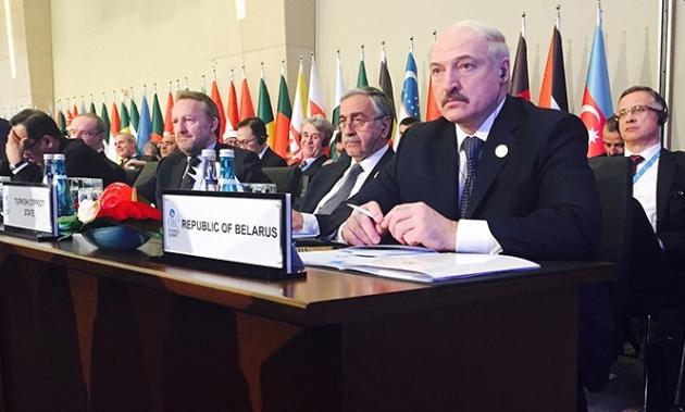 Лукашенко на саммите ОИС в Стамбуле