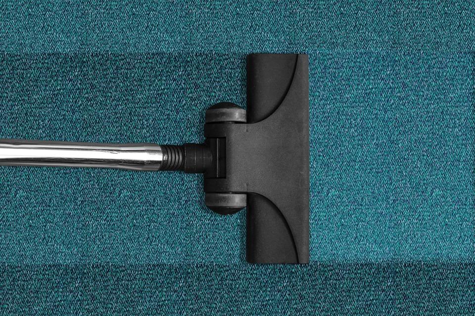 Профессиональная химчистка ковров: основные преимущества