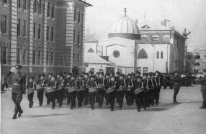 Здание мечети - дом культуры военного училища