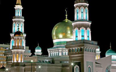 Москвичи-немусульмане будут регулярно ходить в мечеть ночью